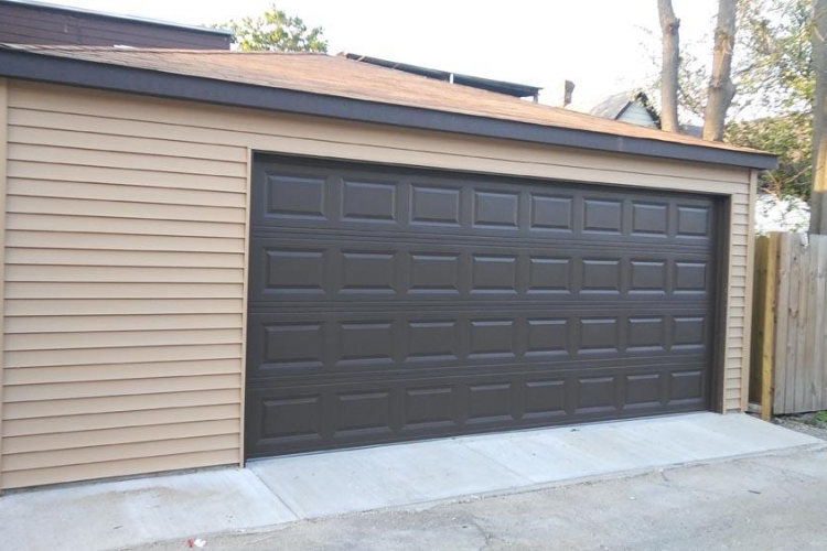 How to choose trustworthy garage contractors in Chicago?